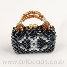 Beaded Chanel tiny purse with TUTORIAL see also on this board for pattern for beaded Chanel perfume bottle