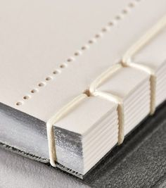 diy cuadernos Writing Pad with Japanese binding - Stylish School Bags, Book Binding Design, Japanese Binding, Booklet Design, Graph Design, Diy Jewelry Rings, Printing And Binding, Bookbinding Tutorial, Finding A Hobby