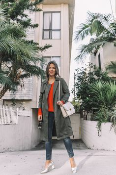 calvin_klein_outfit-ck_sculpted_jeans-denim-trench-orange_sweater-gold_shoes-celine_box_bag-outfit-street_style-los_angeles-collage_vintage-39