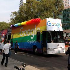 Este es el autobús de @googlemexico en la  #Marcha #Orgullo2017 #CDMX