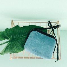 • cartera F I B Y sky 💙  #leather #bags #shoes #jacket #desing #handmade #fashion #black #blue