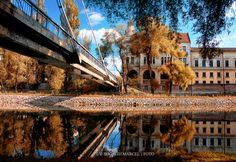 Podul Intelectualilor de pe Crisul Repede | Oradea in imagini Louvre, Country, Architecture, City, Places, Travel, Beautiful, Pictures, Romania