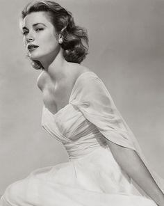 Grace Kelly - so graceful