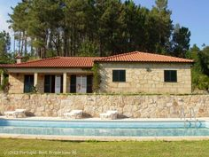 4 bedroom villa with pool in Arcos de Valdevez, Viana do Castelo, Minho,  Portugal - Rustic stone house with 4 bedrooms, several annexes and pool.Good privacy and nice views. 3.200 m2 plot with garden, facing South, 4 Km from the nearest Town. - http://www.portugalbestproperties.com/component/option,com_iproperty/Itemid,16/id,1272/view,property/#