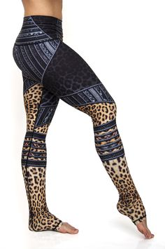 These Zandra leggings are one of a kind. High waisted and extra long, they are made to fit the tallest of athletes. The exotic animal prints, plaid and leather come together in luxuriously soft leggings made from eco friendly, sweat wicking fabrics. Leggings Mode, Cheap Leggings, Floral Leggings, Printed Leggings, Colorful Leggings, Legging Outfits, Leggings Fashion, Mode Yoga, Gothic Leggings