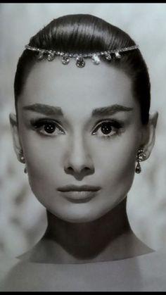 Audrey Hepburn. ..Beautiful...L.Loe