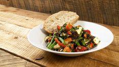 Salade de riz sauvage - Recettes de cuisine, trucs et conseils - Canal Vie