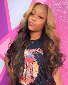 Colored Weave Hairstyles, Black Girl Braided Hairstyles, Baddie Hairstyles, Black Women Hairstyles, Wig Styles, Long Hair Styles, Long Wavy Hair, Dark Hair, Brown Hair With Blonde Highlights