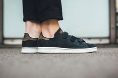 adidas originals stan smith cf core black off white velcro straps