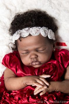 Sweet Carolina sculpted by Marita Winters; Reborned by Kate Charles Real Life Baby Dolls, Life Like Babies, Real Doll, Cute Babies, Silicone Baby Dolls, Silicone Reborn Babies, Lifelike Dolls, Realistic Dolls, African American Baby Dolls