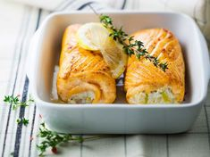 Découvrez la recette Paupiettes de saumon aux poireaux sur cuisineactuelle.fr.