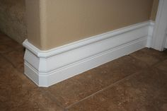 Baseboard Cleaner ~ First, vacuum around them; then add cup fabric softener to 1 gallon water, and with microfiber rag clean leftover dust/grime and repel future dust (since fabric softener naturally repels static electricity, which attracts dust). Household Cleaning Tips, Household Cleaners, Cleaning Recipes, House Cleaning Tips, Spring Cleaning, Cleaning Hacks, Cleaning Supplies, Cleaners Homemade, Diy Cleaners