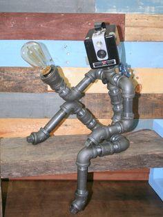 Lámpara robot tubo decoración Industrial por TheCleverRaven en Etsy