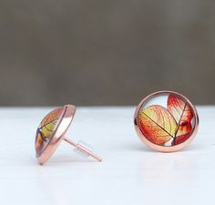 Eleganter Schmuck: Herbstlicher Ohrring mit Laubmotiv in der Trendfarbe Roségold / elegand jewlery: autumnal earring with leaves pattern in trendcolor rose gold made by Traumkontor via DaWanda.com