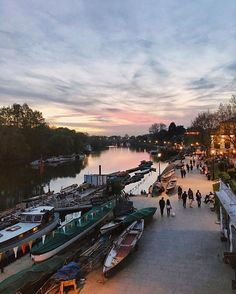 DOWN BY THE RIVER A glorious evening down by Richmond riverside a few weeks ago…