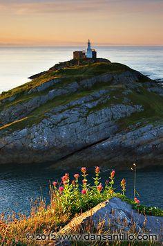 Mumbles Lighthouse, Swansea, South Wales, UK