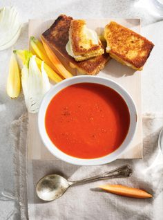 Breaded grilled cheese sandwiches with tomato soup Grilled Fish Recipes, Healthy Grilling Recipes, Vegetarian Recipes, Healthy Food, Soup Recipes, Snack Recipes, Cooking Recipes, Ricardo Recipe, Tomato Soup