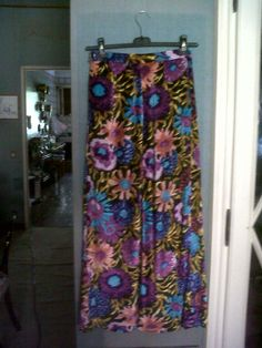 Absolutely 70s long floral skirt