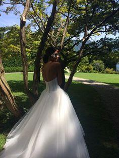 Quando un abito e' romantico e magico.  Alessandro Tosetti www.tosettisposa.it Www.alessandrotosetti.com #abitidasposa2015 #wedding #weddingdress #tosetti #tosettisposa #nozze #bride #alessandrotosetti #modasottolestelle #cnms #swissfashiontv