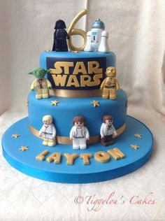 Lego Star Wars - Star Wars Cake - Ideas of Star Wars Cake - Lego Star Wars Cake by Tiggylous cakes Cupcakes, Cupcake Cakes, Lego Star Wars, Star Wars Birthday Cake, 5th Birthday, Birthday Cakes, Birthday Ideas, Star Wars Party Games, Aniversario Star Wars
