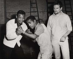 Rare and beautiful celebrity photos   Sugar Ray Robinson and Sammy Davis Jr.