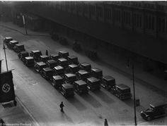 Taxis vor dem Potsdamer Ring-Bahnhof Berlin 1939