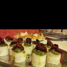 Sushi time ma stile Italiano: pesto da basilico idroponico, pomodoro idroponico, riso