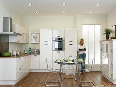 Trending Duleek Glossy Kitchen Worktops and Kitchen Doors Ivory Kitchen, New Kitchen, Space Kitchen, Kitchen White, Leicester, High Gloss Kitchen Doors, High Gloss White Kitchen, Fitted Bedrooms, Shops