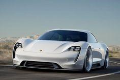 Salon de Francfort 2015 (IAA 2015) voici la toute nouvelle Porsche Mission E, une quatre portes tout électrique imaginé par la firme allemande