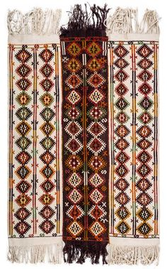 A Vintage Kilim Rug from Konya region of Turkey. This beautiful rug was hand woven in 3 pieces and the lady who had handwoven this item connected 3 pieces to each other with hand stitches. Silver Grey Carpet, Where To Buy Carpet, Rustic Rugs, Cheap Carpet Runners, Patterned Carpet, Turkish Kilim Rugs, Handmade Rugs, Rugs On Carpet, Red Carpet