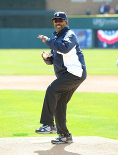 Detroit Tiger, Chet Lemon throws out the first pitch on Opening Day, April 2014