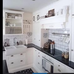Shabby and Charme: Nordic Style - Una splendida cucina – A beautiful kitchen Nordic Style, Beautiful Kitchens, Interior Decorating, Shabby Chic, Kitchen Cabinets, Instagram, Home Decor, House Interiors, Finland