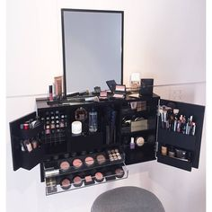 Im so excited to finally bring out this new makeup organizer that I designed to make your life that much easier! Its the ultimate makeup vanity solution when space is limited. This modern design fits all your daily needs in one place right at your fingertips. No more drawers with cluttered