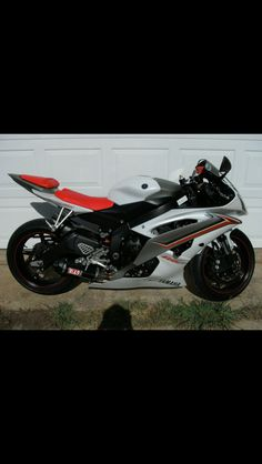 2009 Yamaha R6 many mods (just ask)