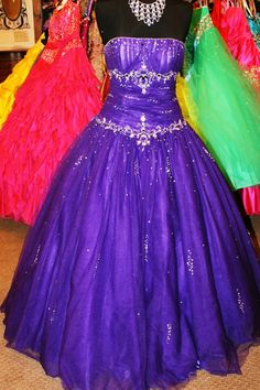 Purple ball gown formal prom dress. Available for rent at Dazzling Dress Rentals in Riverton, UT 8018084656