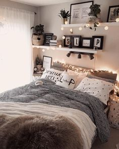 Home Decor Blue 43 cute and girly bedroom decorating tips for girl 39 - -.Home Decor Blue 43 cute and girly bedroom decorating tips for girl 39 - - Modern Bedroom Decor, Room Ideas Bedroom, Contemporary Bedroom, Diy Bedroom, Gray Room Decor, Square Bedroom Ideas, Woman Bedroom, Boho Teen Bedroom, Tumblr Bedroom Decor