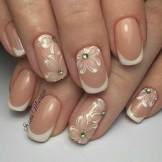 french nails with rhinestones Manicure Tips French Manicure Nails, French Tip Nails, Nails French Design, White French Nails, Manicure Tips, Nail Art Design Gallery, Nail Art Designs, Clear Nail Designs, Bridal Nails