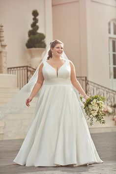 Vestiti Da Sposa Taglie Forti.457 Fantastiche Immagini Su Abiti Da Sposa Curvy Nel 2020 Abiti