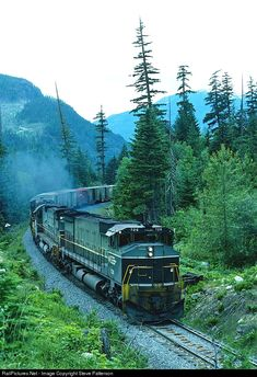 Net Photo: BCOL 726 British Columbia Railway MLW at Tisdall, British Columbia, Canada by Steve Patterson By Train, Train Tracks, Pictures Of America, Train Room, Bonde, Railroad Photography, Train Pictures, Train Journey, Model Train Layouts