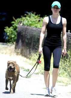 Jessica Biel Work out in Fashionable gym Wear