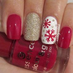 for christmas ideas about Christmas manicure, pretty nails and Holiday nail art. As if ombre nails are not cool enough, this holiday nail design uses a glitter ombre with painted Christmas ornaments on each nail. The look is intricate and fun . Xmas Nails, Get Nails, Fancy Nails, How To Do Nails, Pretty Nails, Snow Nails, Holiday Nail Art, Christmas Nail Designs, Christmas Nail Art