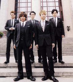 Kimura Takuya Mens Fashion Suits, Mens Suits, Takuya Kimura, Mount Fuji, Madly In Love, Geisha, Samurai, Smoke, Japan