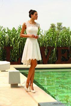 https://flic.kr/p/BL19em | Trouwjurken | Trouwjurken vintage, Moderne Trouwjurken, Korte trouwjurken, Avondjurken, Wedding Dress, Wedding Dresses | www.popo-shoes.nl