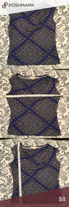 🛍 DEAL OF THE DAY Michael Kors sleeveless blouse Ruffled scoop neck top by MICHAEL Michael Kors  Blue, black and white  In GUC. Has some light fuzzing but is not overly noticeable during wear  100% rayon  Size medium  One day only price; firm price unless bundled with other items  I ship same/next day depending on time of purchase.  A lot of my listings sell quick so get them while they're still here! MICHAEL Michael Kors Tops Blouses