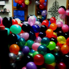 This was half of 900 balloons we filled a office with for a prank! Was fun being part of! Birthday Pranks, Candies, Celebrations, Balloons, Funny, Pretty, Happy, Birthday Jokes, Globes