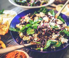 Hunderte, köstliche Salatrezepte von Foodblogs auf einen Blick findet ihr auf Küchenplausch. ;)