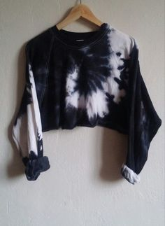 Crop Top Sweater Black Tie-Dye Snake, grunge, indie, hipster, goth from SpacyShirts on Etsy. Saved to Teen suicide. Fashion Mode, Look Fashion, Diy Fashion, Fashion Outfits, Fashion Trends, Winter Fashion, Fashion Stores, Fashion Ideas, Fashion Check