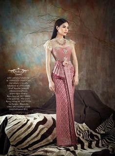 New Thai traditional - Fullrichbride Traditional Thai Clothing, Traditional Fashion, Traditional Outfits, Cambodian Wedding Dress, Thai Wedding Dress, Thailand Fashion, Kebaya Dress, Thai Fashion, Thai Dress