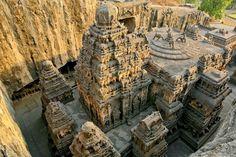 Az ellórai barlangok Indiában. -