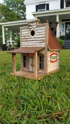 Little country general store Wooden Bird Feeders, Wooden Bird Houses, Bird House Feeder, Bird Houses Diy, Fairy Houses, Homemade Bird Houses, Birdhouse Designs, Unique Birdhouses, Bird House Plans